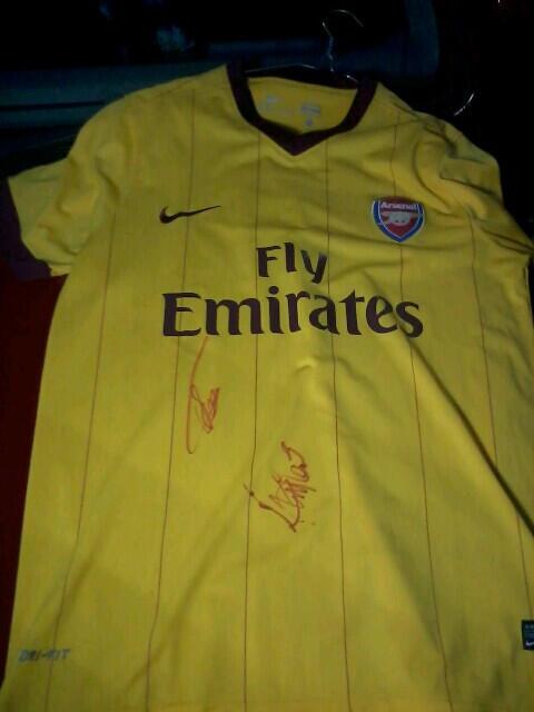 jersey arsenal signet Theo Walcott & Aaraon Ramsey. + photopack Walcott. cekidot