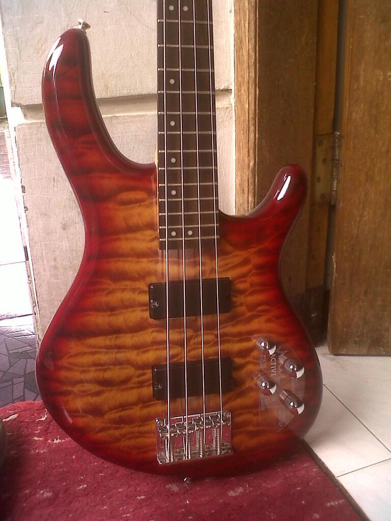 Cort Action Deluxe 4 strings Bandung Sumedang BU