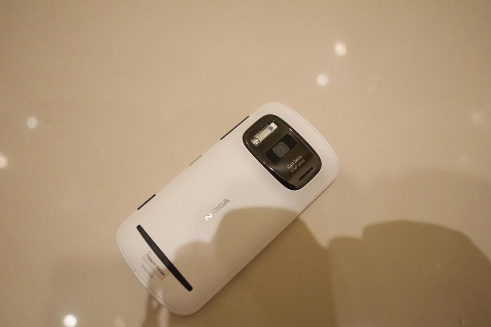 Nokia 808 Pureview White LNIB