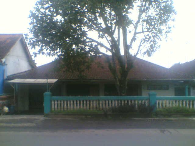Dijual Cepat Rumah Di depan Jl. Raya Cisalak, Lokasi Strategis