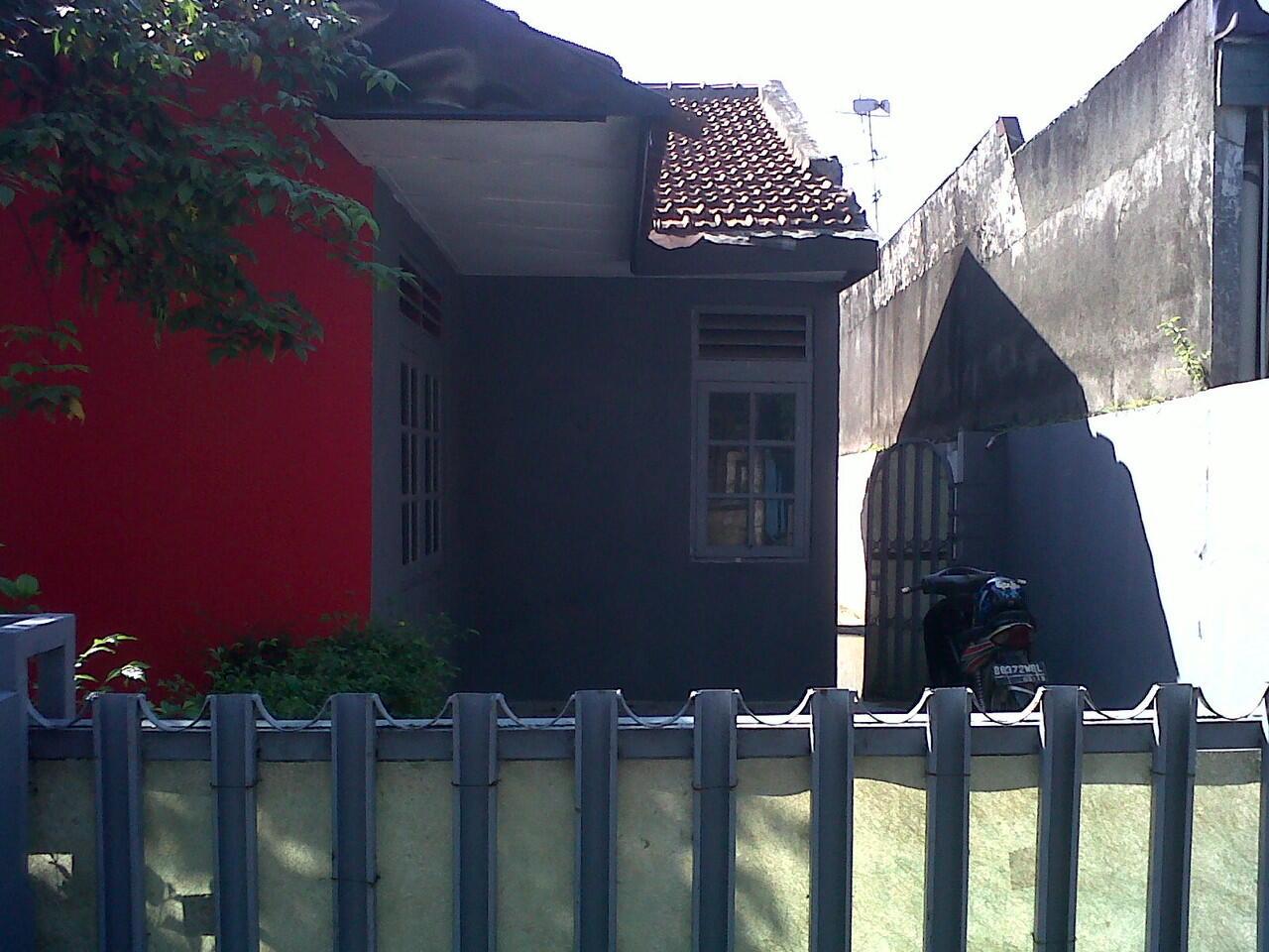 Rumah Nyaman dan Aman Perumahan Komplek BI dekat Pasar Ciputat