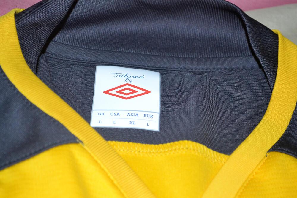 Jersey Umbro Kuning Hitam [Rare Item!!]