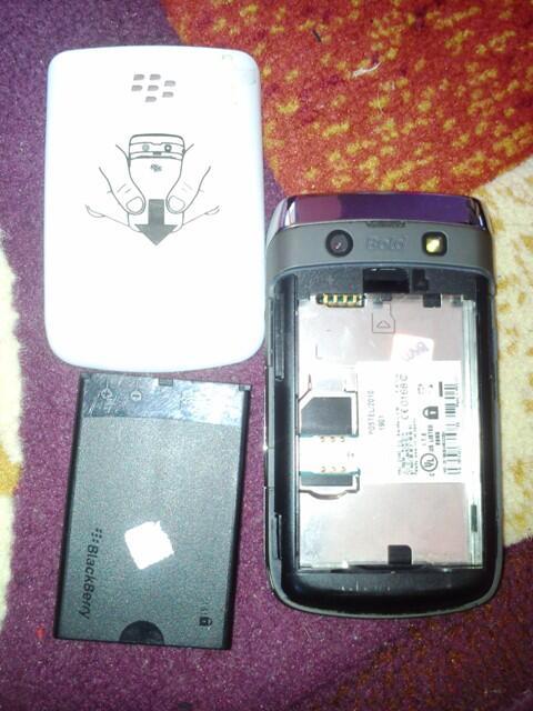 Jual Blackberry Onyx 2 9780 WHITE eks TAM MURAH Bandung