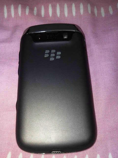 BB Bellagio 9730 black, kondisi 98%, msh garansi sampe aug 2013