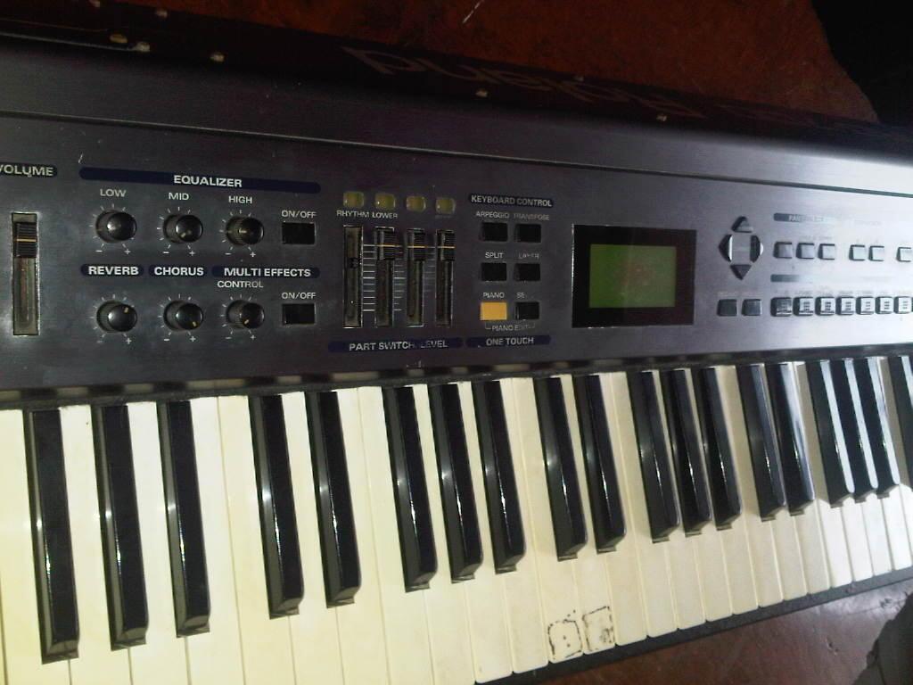 Jual Digital Piano Roland RD-700 (polos)