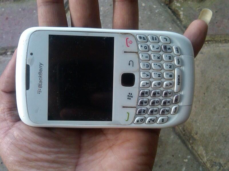 WTS Blackberry 8520 aka BB Gemini GSM Lengkap..Solo