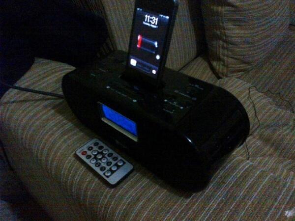 (WTS) Iphone/Ipod Docking Speaker I-Fun