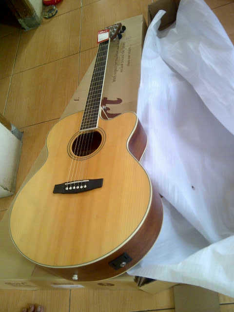 GITAR ACOUSTIC CORT TYPE CJ1F