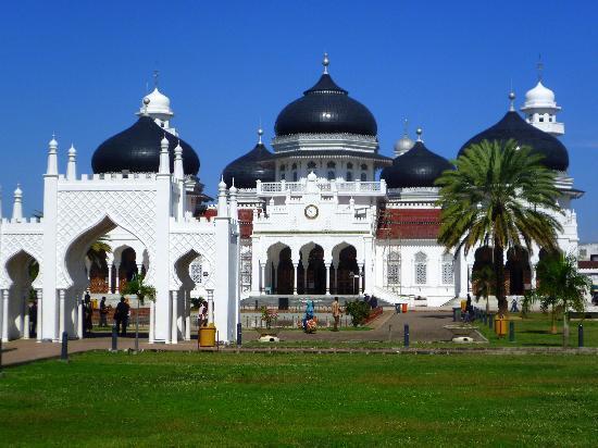 Masjid Raya Baiturrahman,Keindahan Masjid di Nusantara berawal dari sini