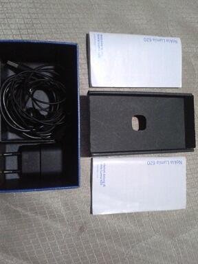 Nokia Lumia 620 Mulus + Lengkap + Garansi = 1.700.000 Mau gan ?