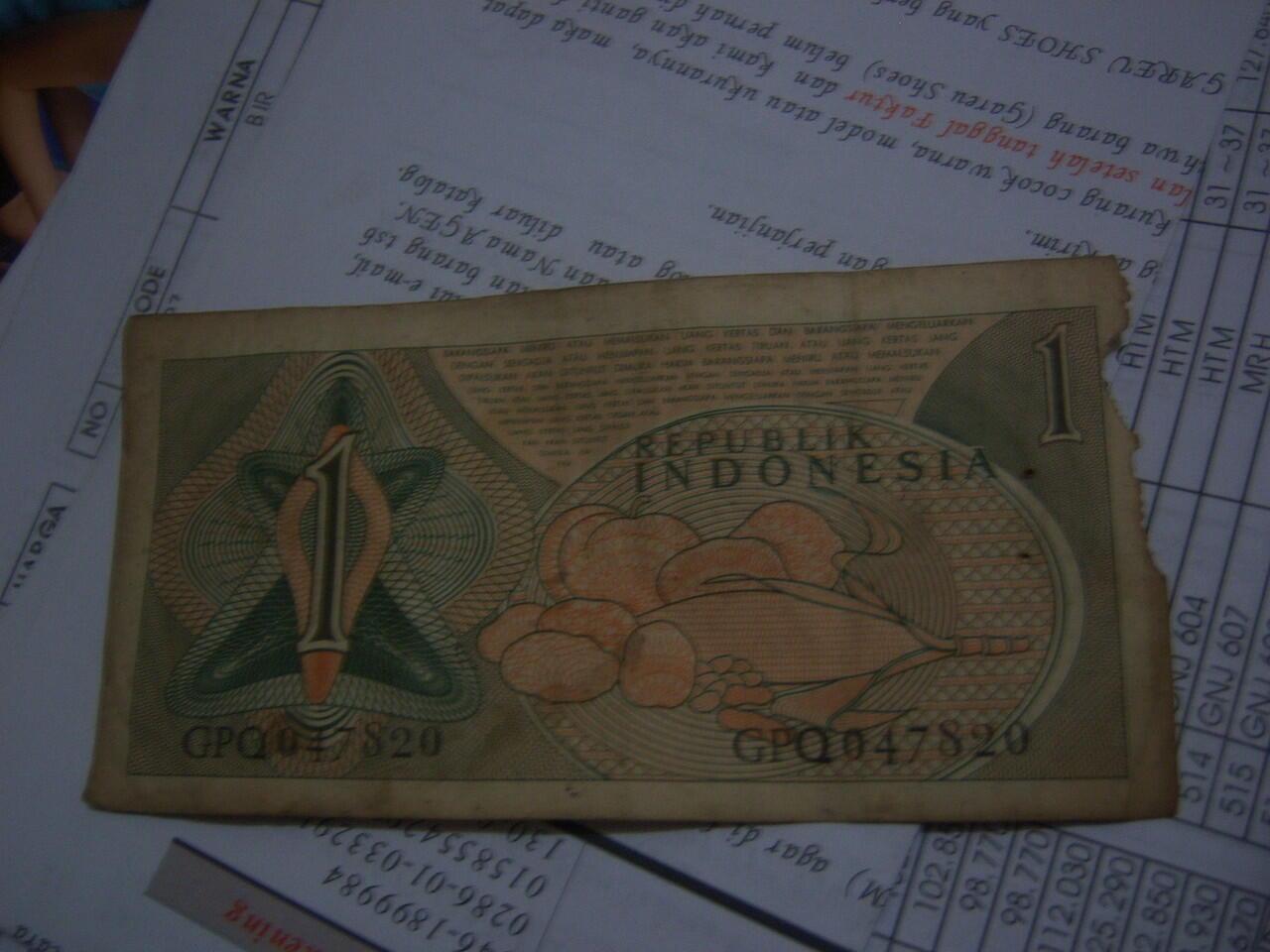 Beberapa Uang koin lama, ada koin singapore juga, prefer diborong aja [Bandung]