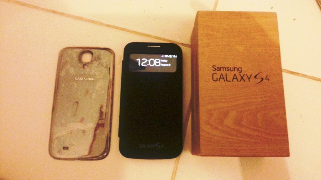 Cara membedakan Samsung S4 asli dan replika S4