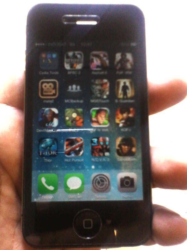 WTS Apple Iphone 4 16 GB GSM FU Fullset Mulus..Solo