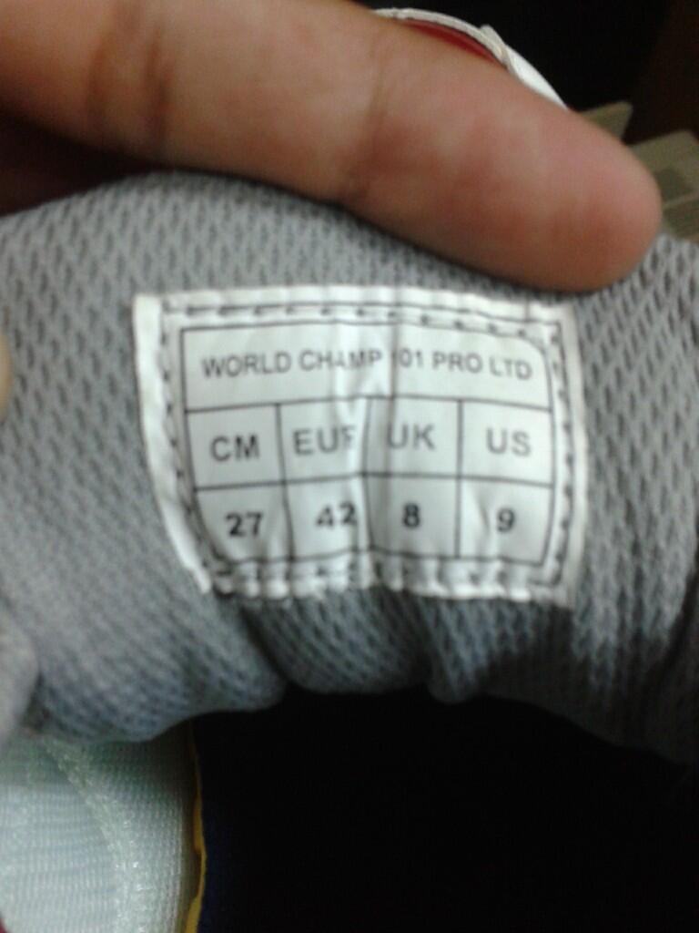 WTS Sepatu Badminton Yonex World Champ 101 Pro Ltd