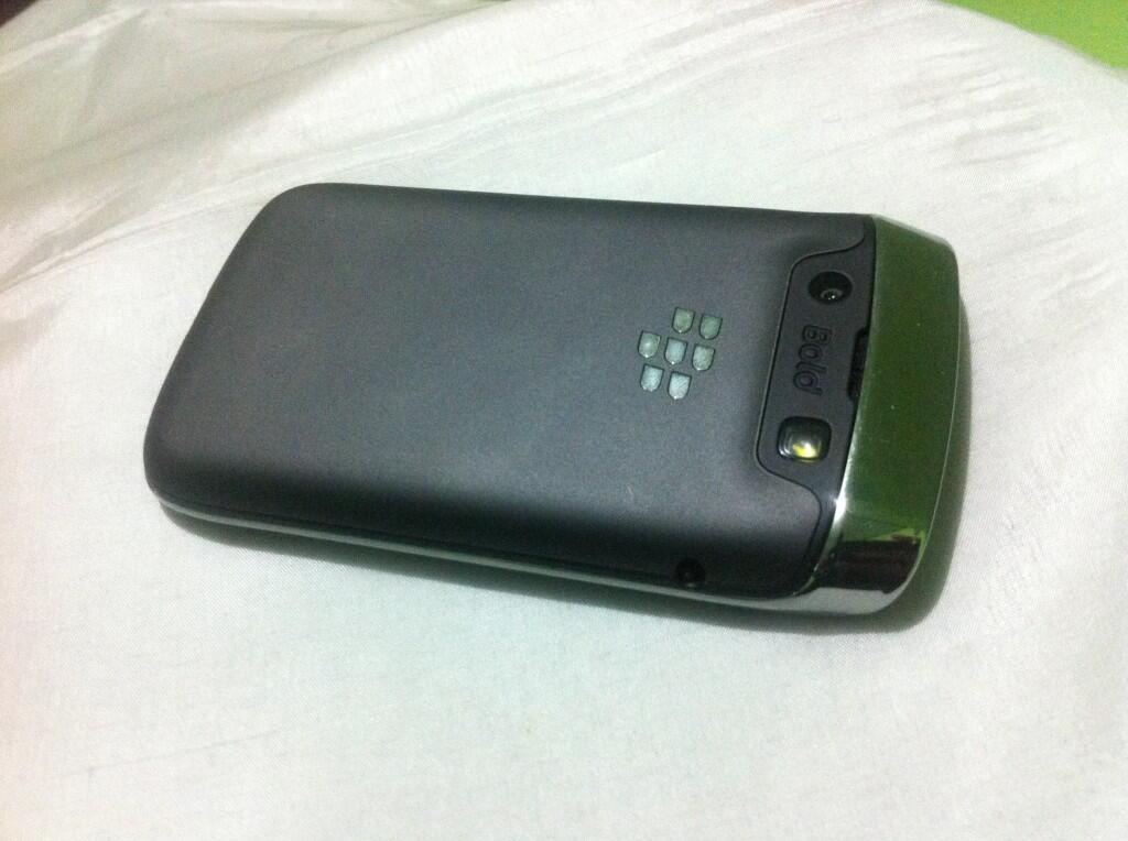 blackberry onyx 3 bellagio baru 2 bulan, garansi TAM