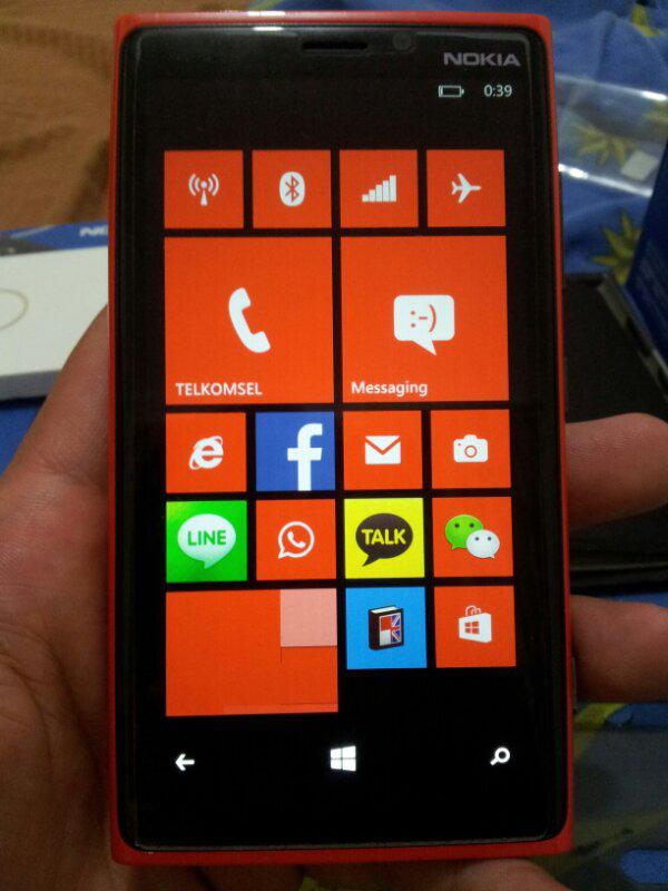 wts lumia 920 fullset + wireless charger