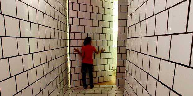 10 Pintu Rahasia Paling Keren di Dunia
