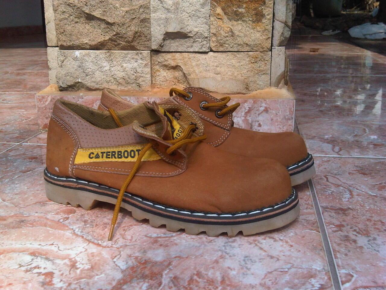 Terjual sepatu boots Caterpillar   Caterboot e8d35cdbb2
