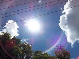 Penjelasan fenomena alam halo matahari