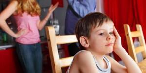 Dampak Buruk Bertengkar di Depan Anak