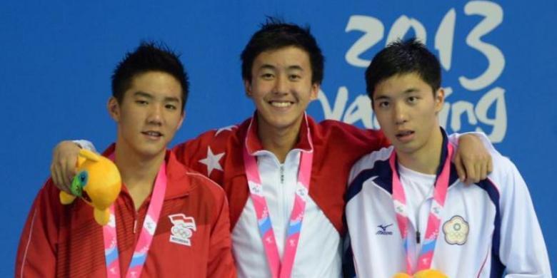 medali emas pertama Indonesia di ajang Asian Youth Games II Nanjing China