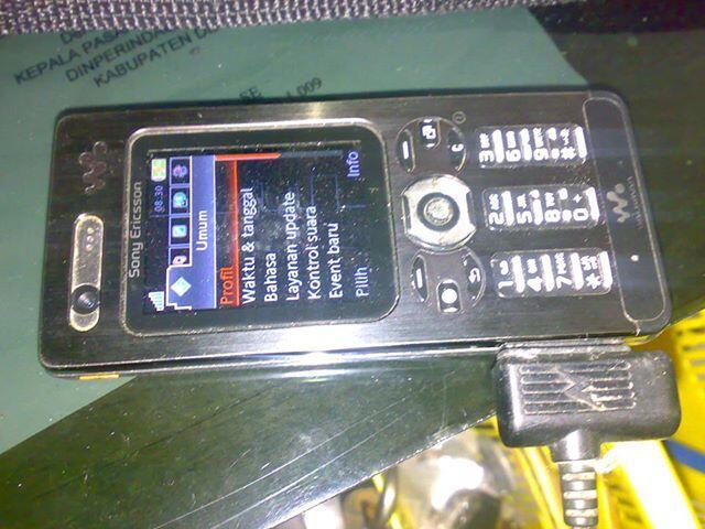 SONY ERICSSON W880i di semarang