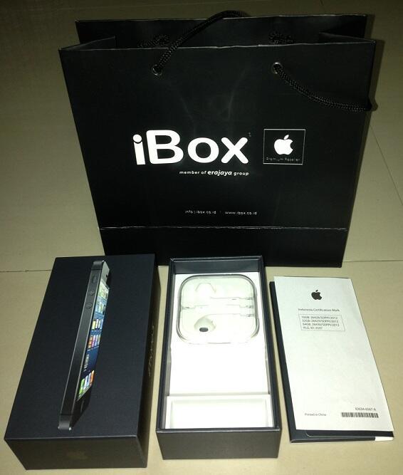 Dijual Iphone 5 hitam 16 GB berusia 2 bulan