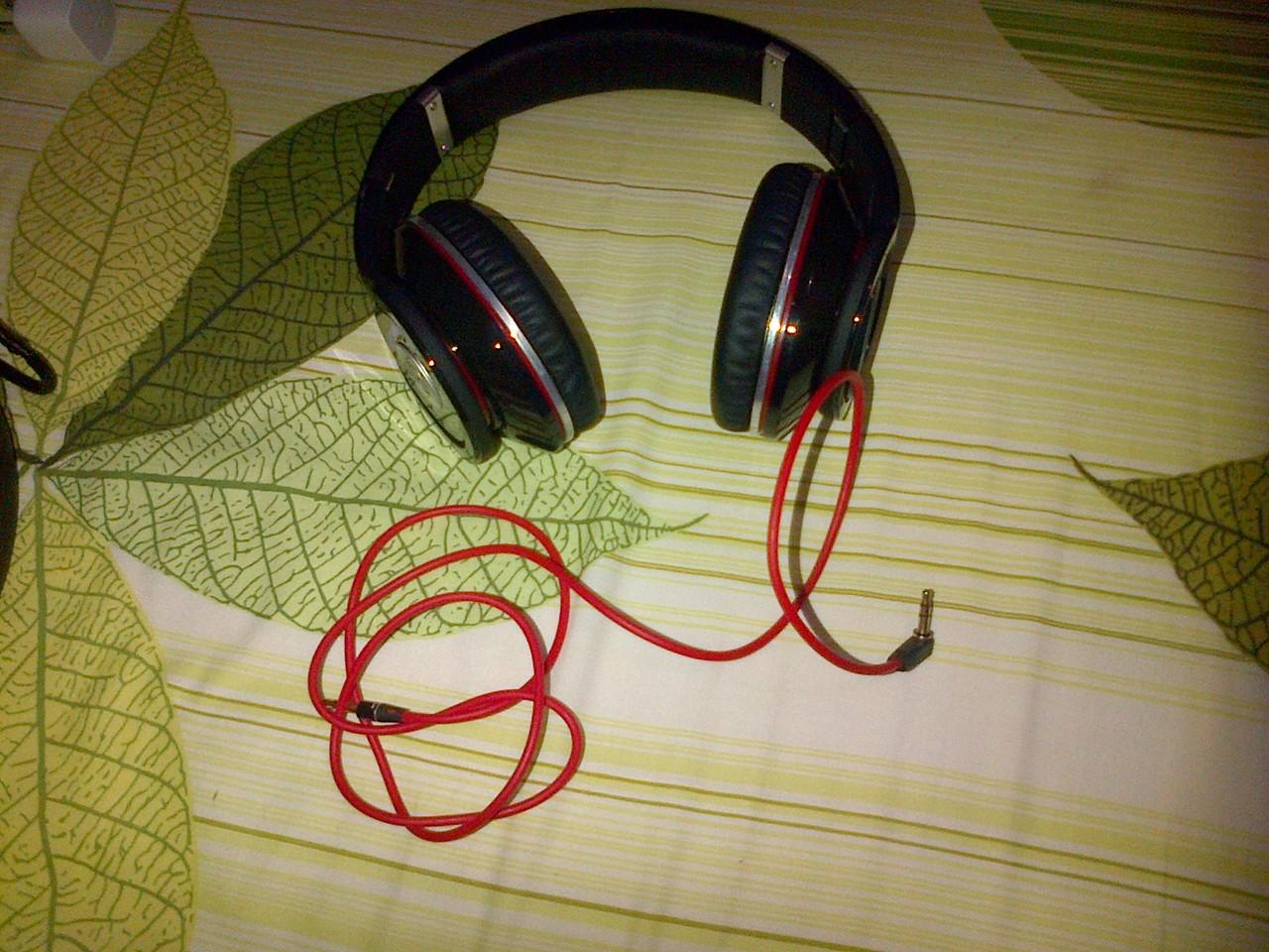 beats monster black