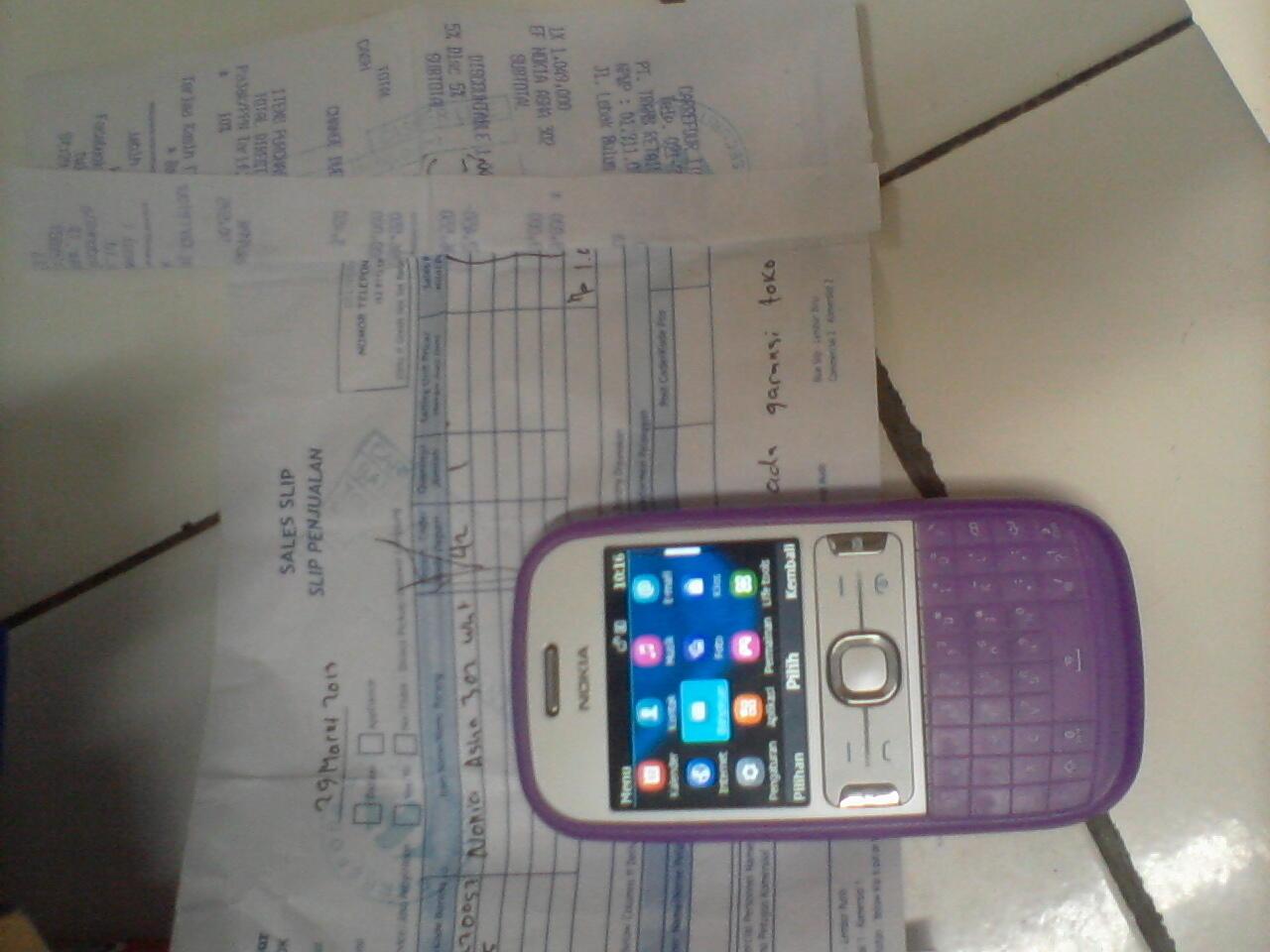 nokia asha 302 fullset+nota+kondom warna ungu