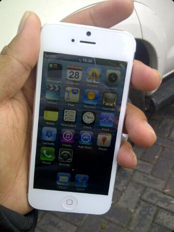 Replika I phone 5 superrrrrrrrrrrrrrr mantab,,NANO SIM CARD,,baru sehari,,jual rugi