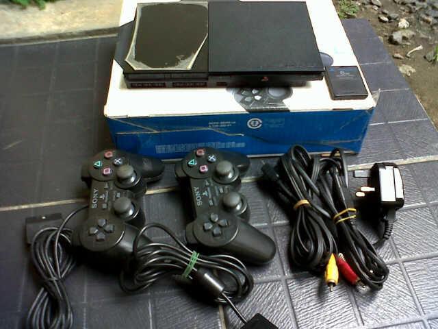 Jual PS 2 Seri 9006CB Fullset, Pemakaian 4 Bulan.