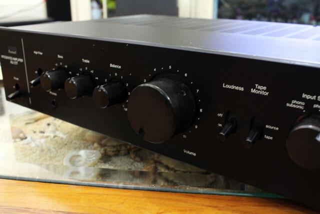 Amplifier Sansui AU-217