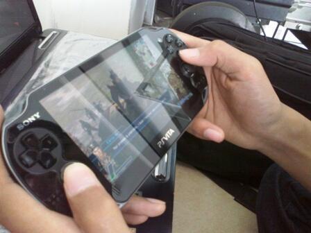 PSP Vita Crystal Black WifI/3G 8Gb sim indo lancar + Dw Next Bandung