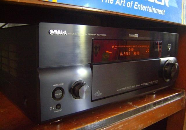 YAMAHA RX - V3900 7.1-Channel Network Home Theater Receiver