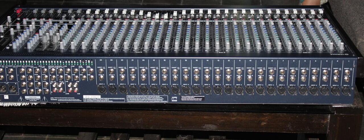 Jual Mixer Yamaha 32chanel MG32 barang masih bagus mulus