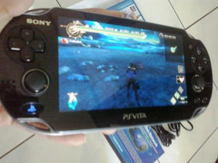 PSP Vita Crystal Black WifI/3G 8Gb sim indo lancar + RO Odyssey