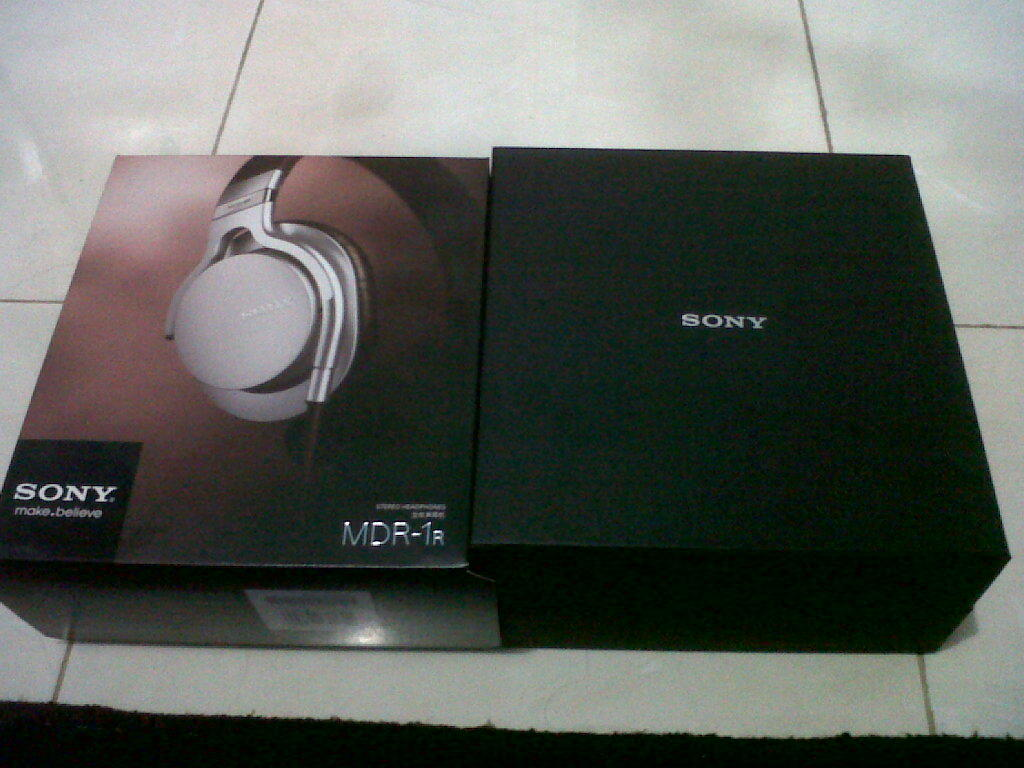WTS Sony MDR 1R