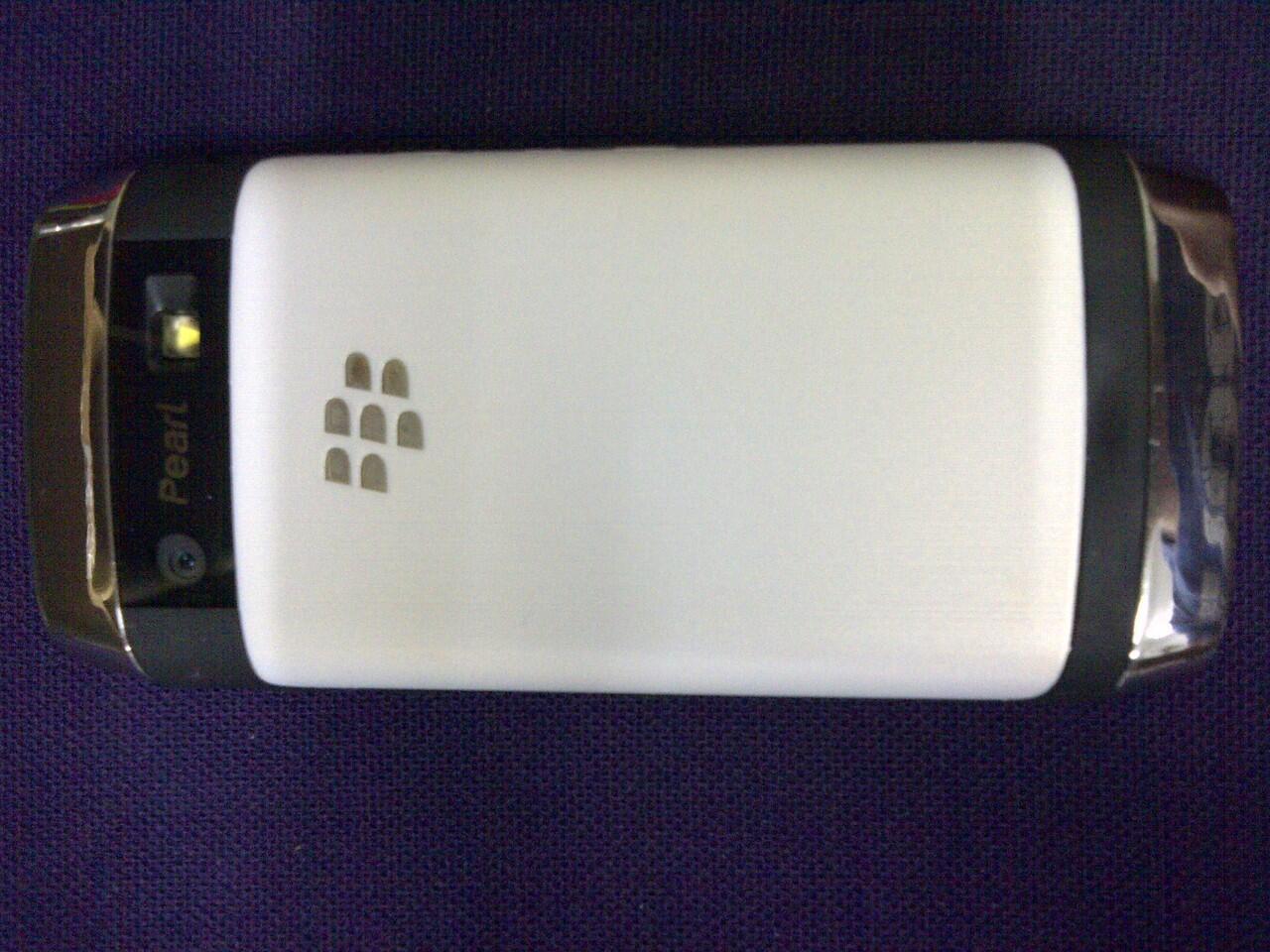 Blackberry Pearl White 9105 Mulus grs TAM -> Desember 2013