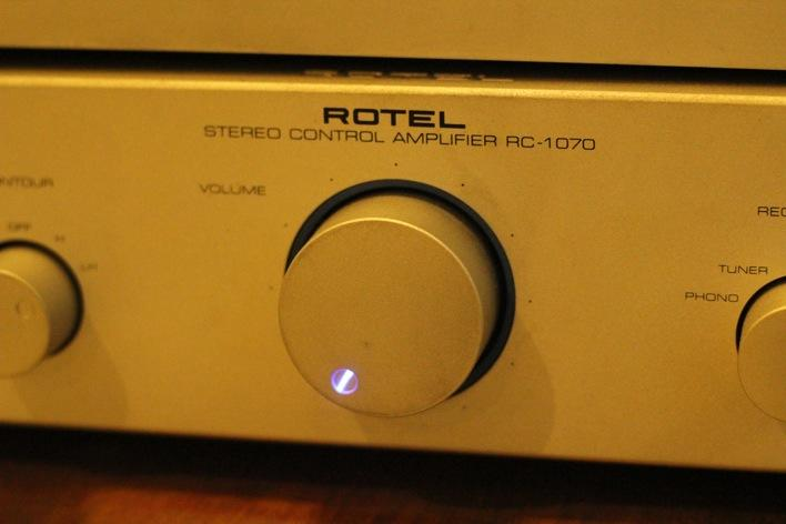 """""""WTS"""" PREAMP MERK ROTEL RC1070.. MANY PICS.."""