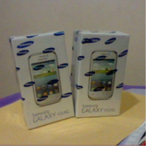 Samsung Galaxy Young S6310. masih baru dgn harga murah