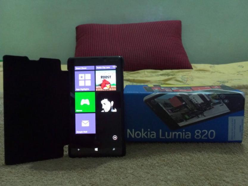 Nokia LUMIA 820.masih baru dengan harga murah