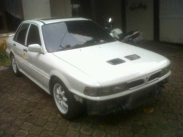 WTS Mitsubishi Ertena 93 white modif anak muda