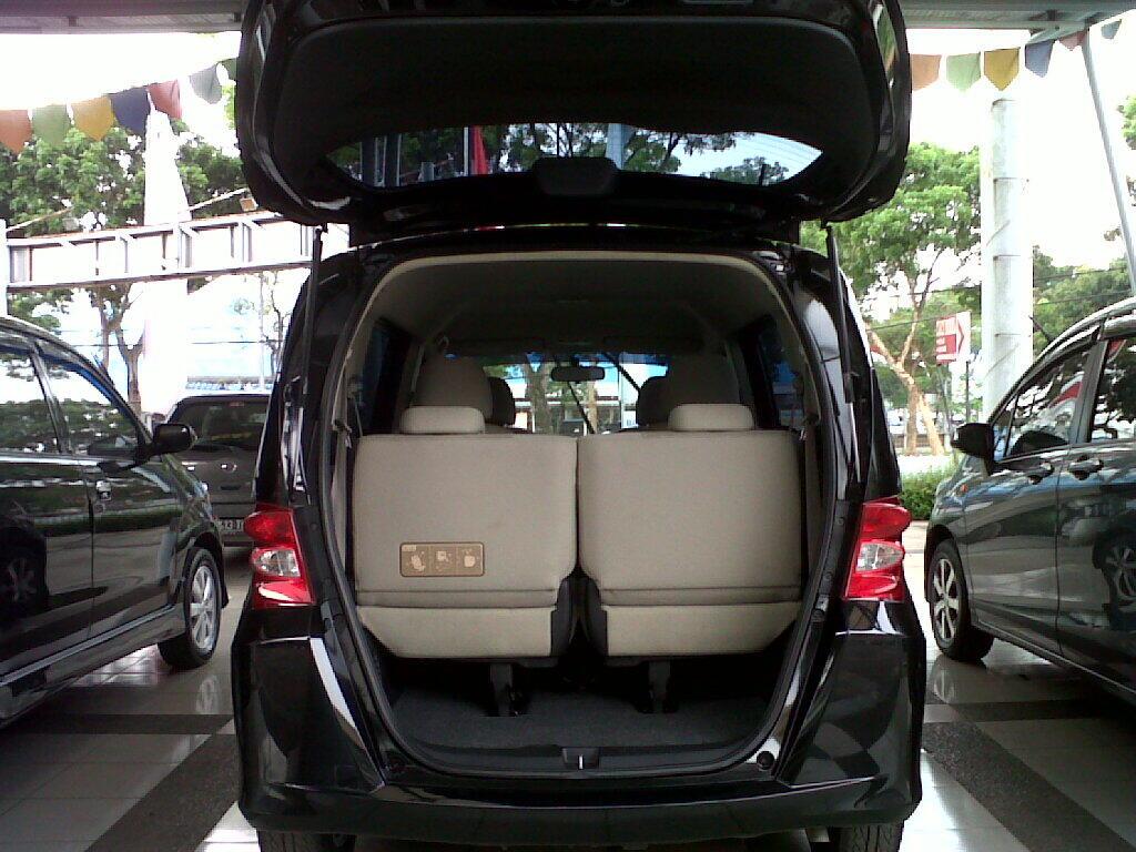 Honda Freed PSD AT 1.5 Tahun 2009