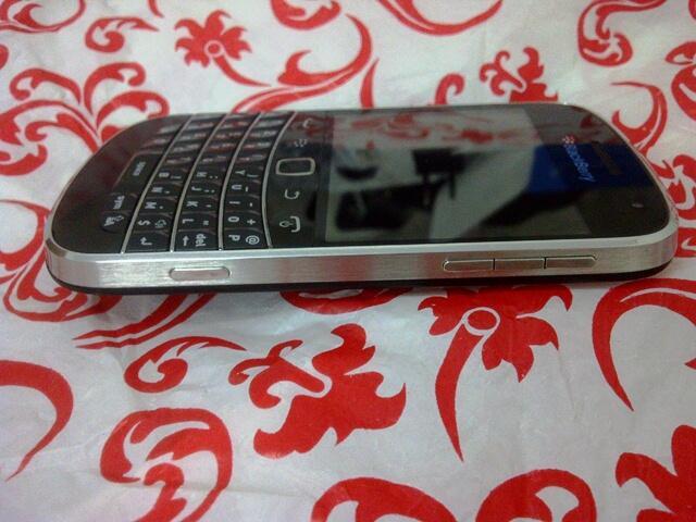OKE SHOP BNIB APPLE IPHONE RP1.2jt #SAMSUN GALAX S3Rp:1jt #BLACKBERRY Z10 Rp1,500.000