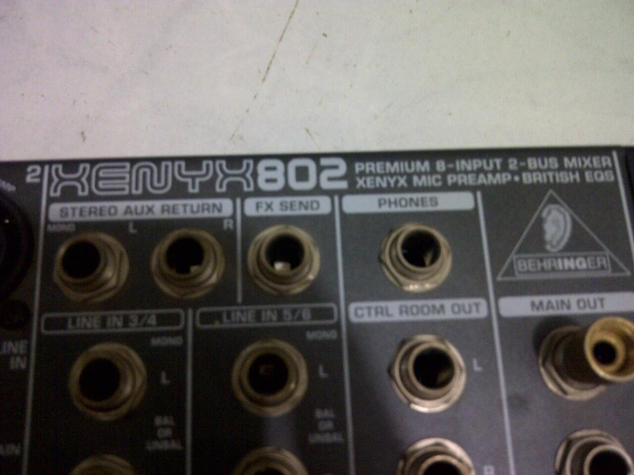 dijual mixer BEHRINGER XENYX 802 murah