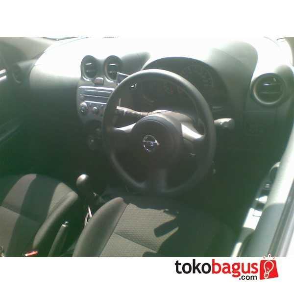 Nissan March Matic Silver 2012 Over Kredit