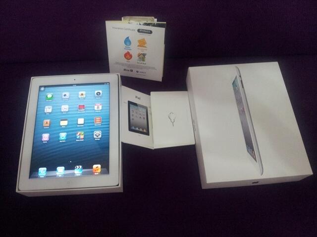 Ipad 2 3G Wifi 16gb White fullset mulus