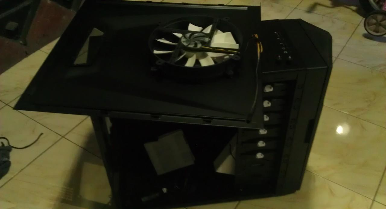 casing NZXT HADES