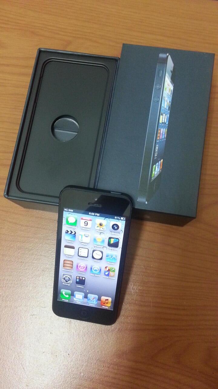 iphone 5 16gb black masih garansi internasional sampai april 2014
