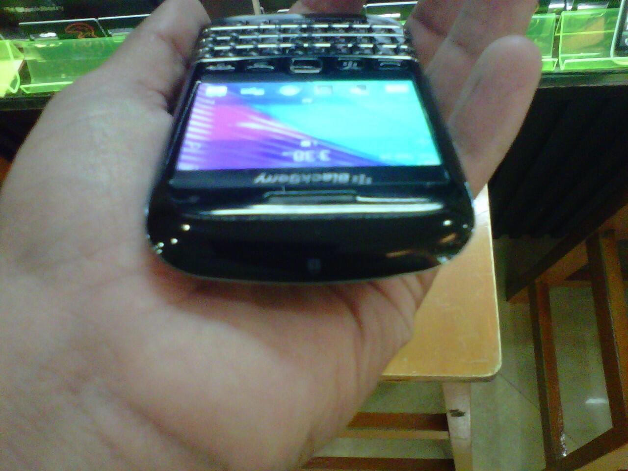 Blackberry Bold 9790 Second Mulus LKP Kondisi 95% Mulus Masih Garansi Berindo